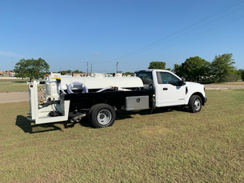 600 gallon, 500 gal waste and 100 gal water, Low Profile unit, mounted on a 2020 Ford F550 truck chassis.